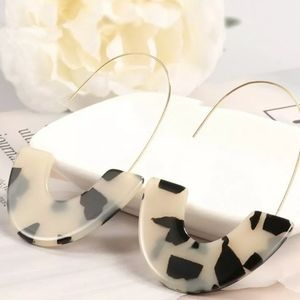 Geometric U Earrings